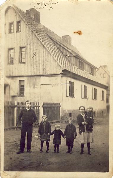 013 Familie Reimann in Malapane.JPG