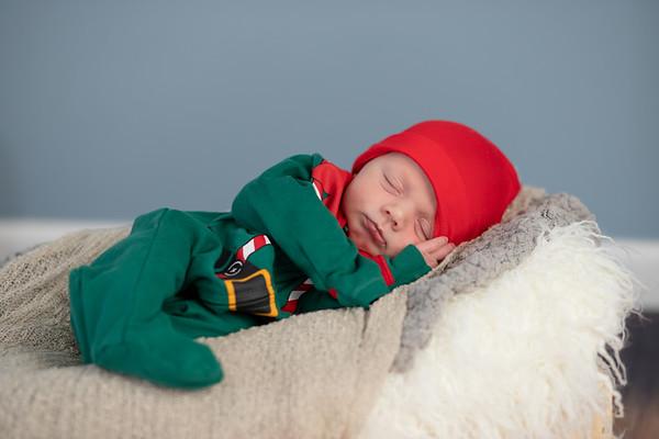 Alexander Becker - Newborn