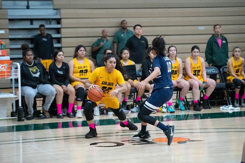 Basketball-W-2020-01-31-7819.jpg