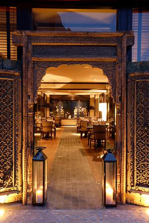 132300-AG-Luxury-hotel