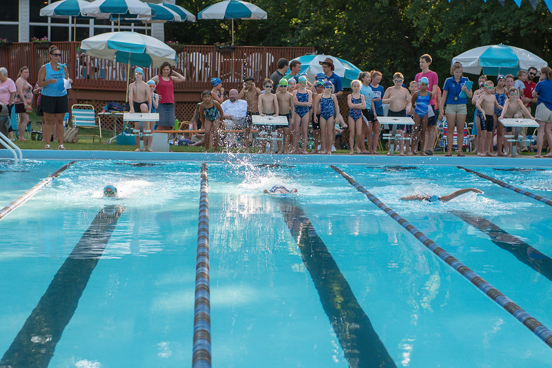 lcs_swimming_kevkramerphoto-008.jpg