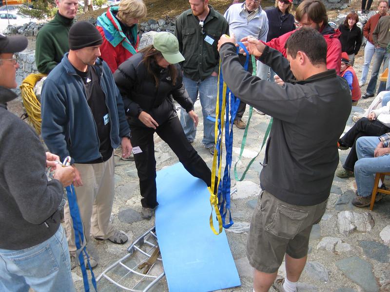 Making stretcher form backpaks' aluminum frames