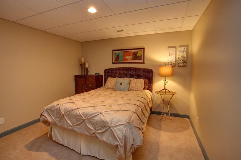 Guest Bedroom_2.jpg