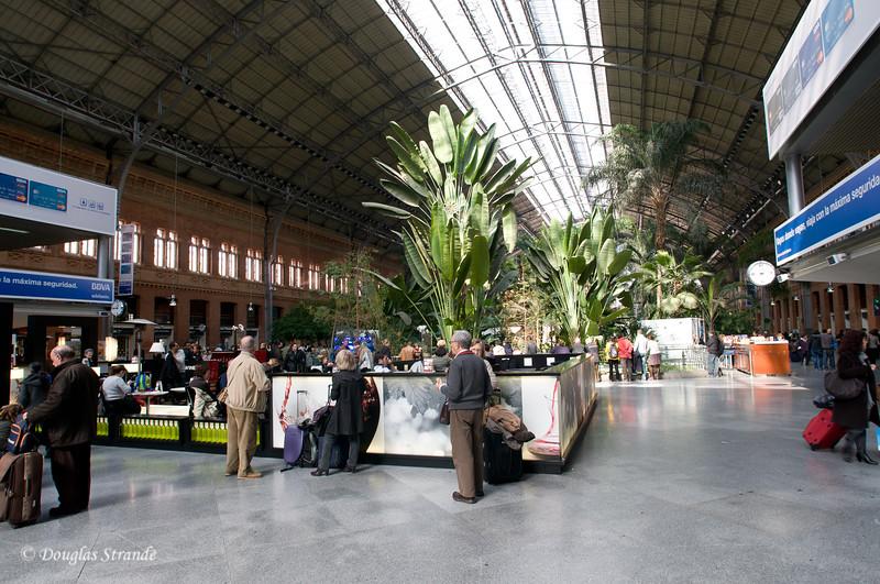 Mon 3/07 in Madrid: Atocha Train/Metro Station