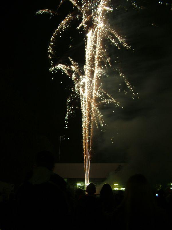 2004_1105putneyfireworks20051.JPG