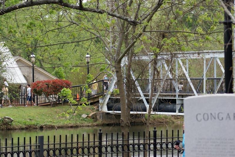 Riverfront Park Walk 009.jpg