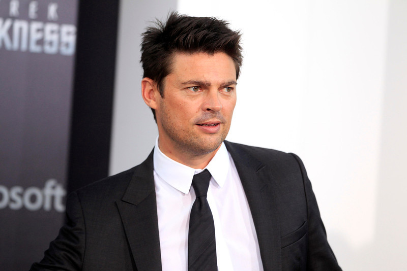 """. Actor Karl Urban, cast member of the new film \""""Star Trek Into Darkness\"""", poses as he arrives at the film\'s premiere in Hollywood May 14, 2013.  REUTERS/Fred Prouser"""
