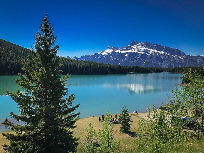 Lake_Minnewanka-5.jpg