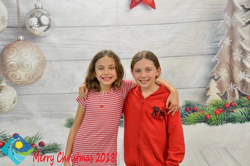 Christmas Photobooth 2018-062_01.jpg