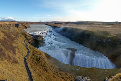 Donnerstag: Wasserfall, Baden und Reiten