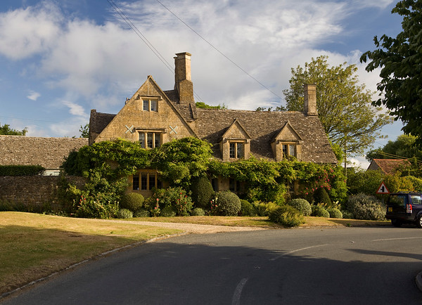 Cottage in Honeybourne, England in July 2010