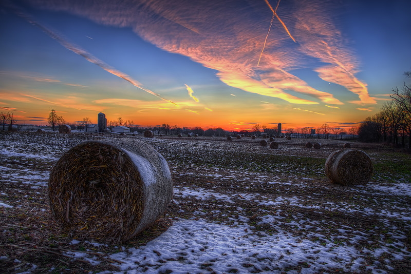sunset - snowy bales 11-28-14(p).jpg