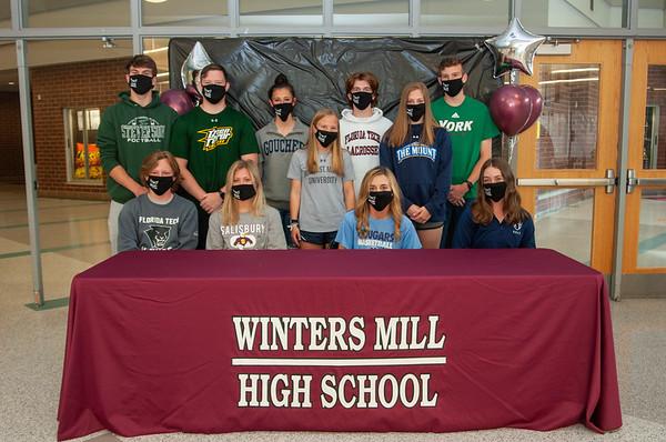 Seniors 2021 Signing