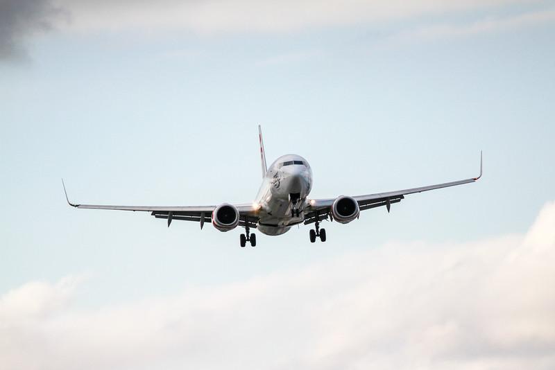 Virgin 737-800