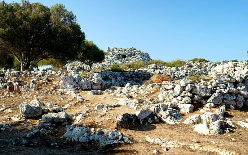 08_19 mahon ruin on hill DSC04561.JPG