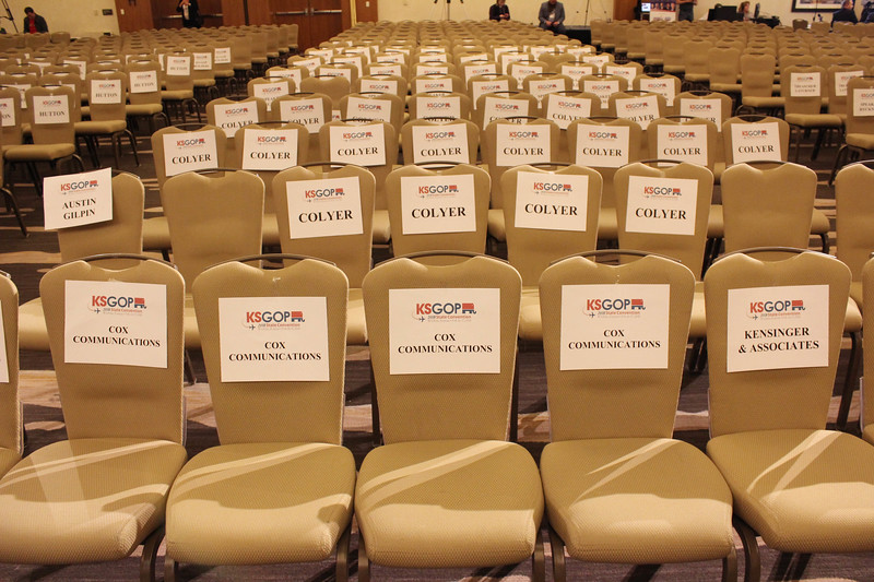 colyer seats gop debate.JPG