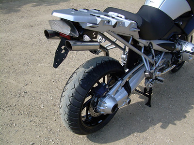 r1200gs_hattech_twin_inderseat_exhaust4.jpg