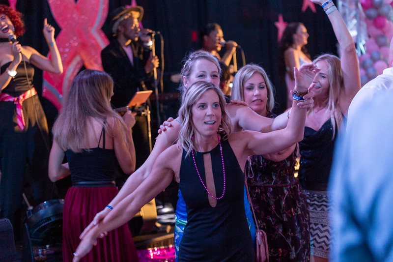 2019_11_Yachtail_Party_01820.jpg