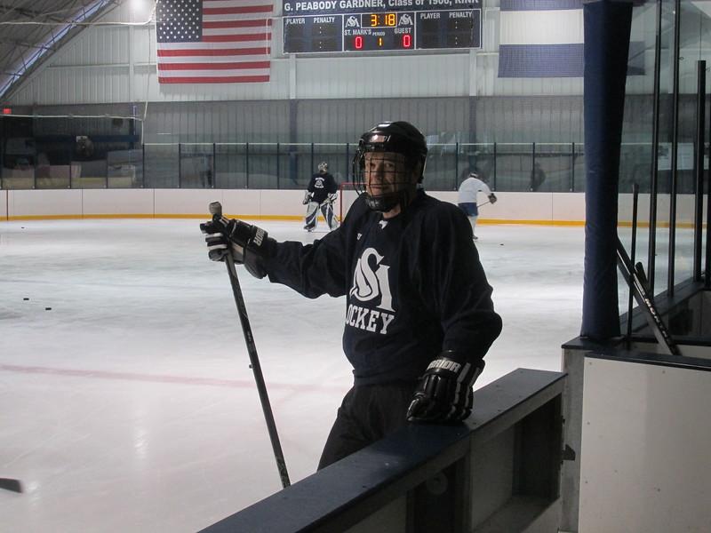 Alumni Hockey 2016 006.jpg
