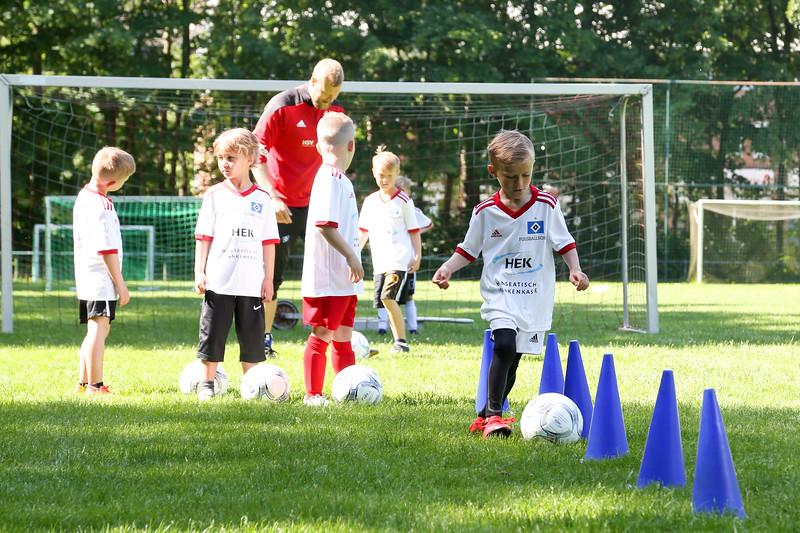 hsv_fussballschule-156_48047991483_o.jpg