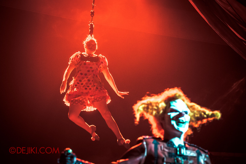 Halloween Horror Nights 6 - Jack's Recurring Nightmare Circus / Hair Hang behind Jack