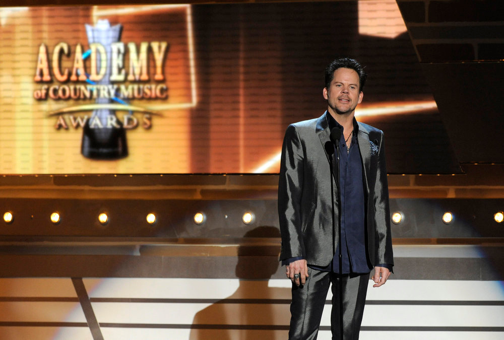 . Musician Gary Allan speaks on stage at the 48th Annual Academy of Country Music Awards at the MGM Grand Garden Arena in Las Vegas on Sunday, April 7, 2013. (Photo by Chris Pizzello/Invision/AP)