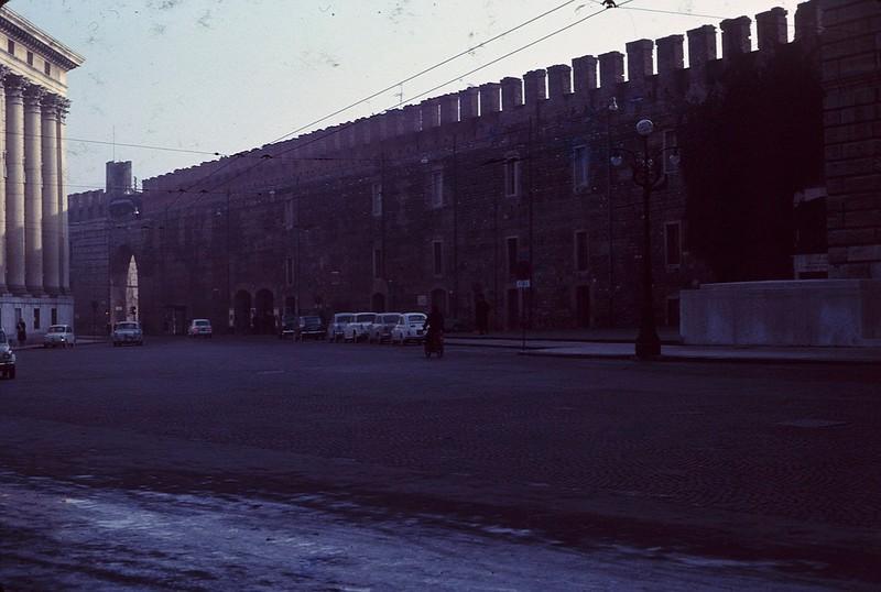 1965 02 Italy Verona old wall.jpg