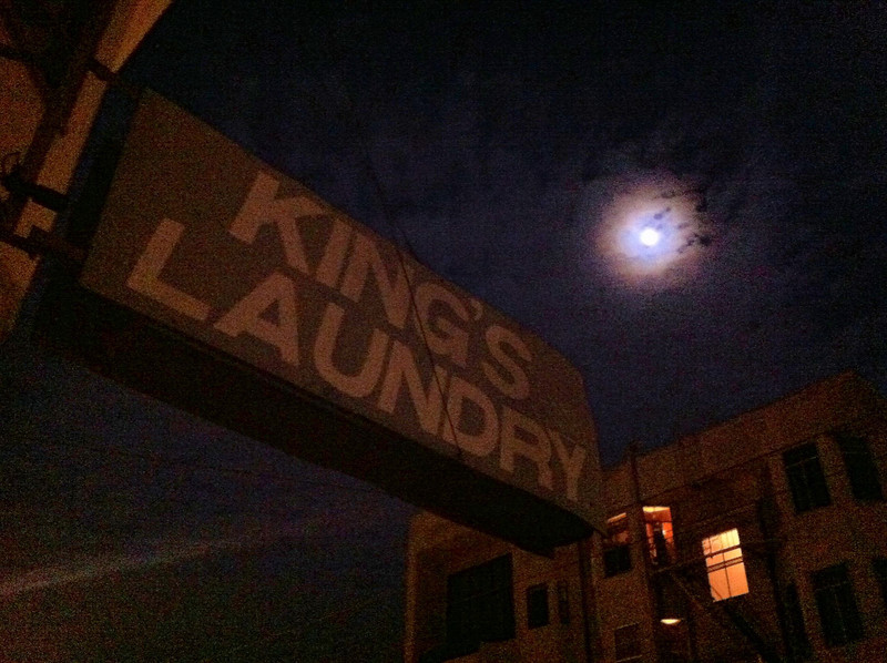 King's laundry, Mission