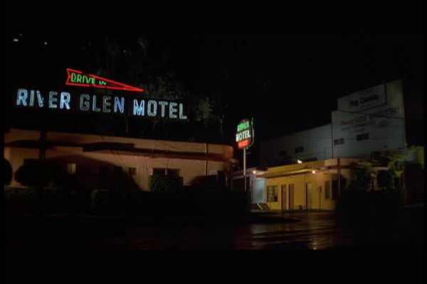 PulpFiction_RiverGlenHotelAtRiversideDrive_01-14-48.avi