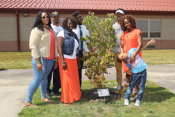 File SR Tree Dedication Ceremony 2016