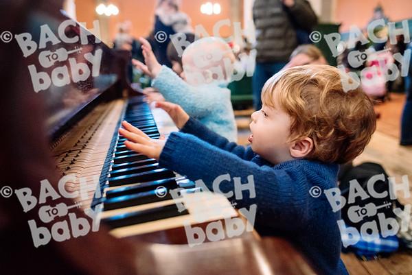 © Bach to Baby 2016_Alejandro Tamagno_Chiswick_2016-12-23 065.jpg
