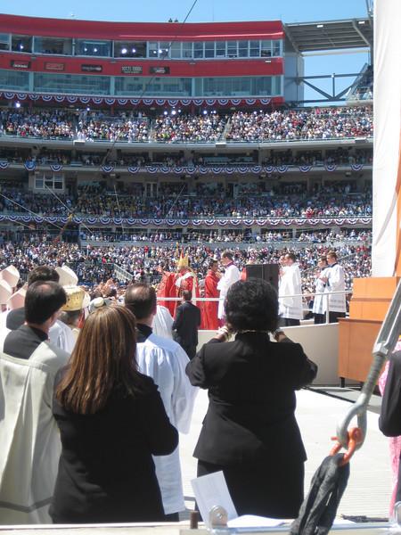 Pope Mass Nats Stadium 4-17-08 077.jpg