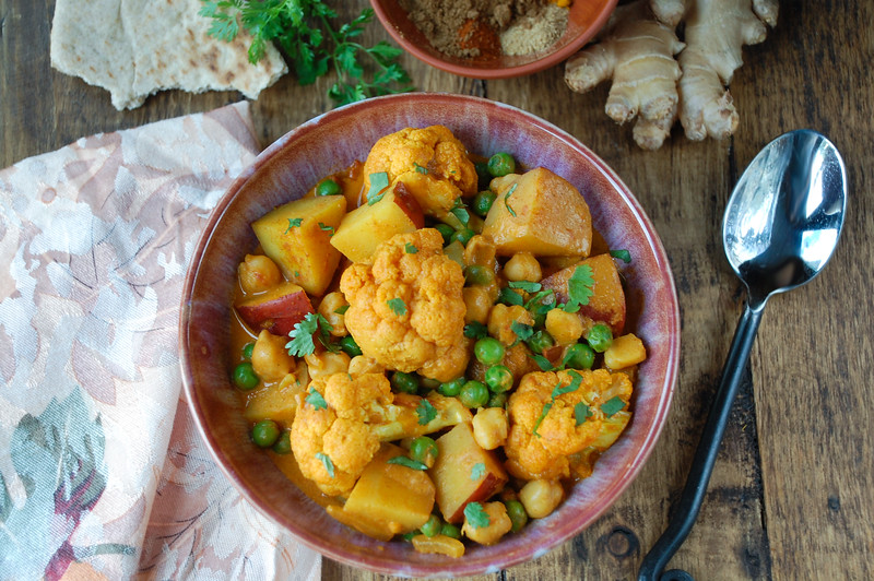 Cauliflower-and-chick-pea-curry-3.jpg