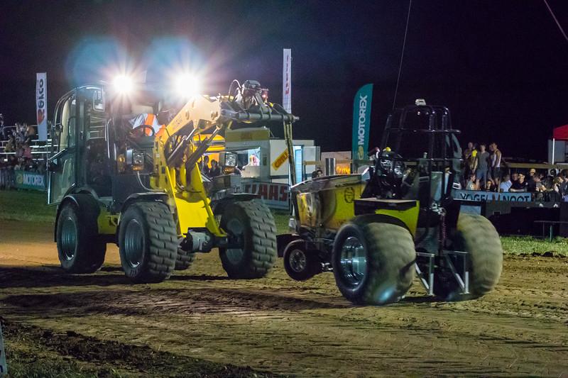 Tractor Pulling 2015-9249.jpg