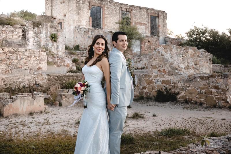 P&H Trash the Dress (Mineral de Pozos, Guanajuato )-66.jpg