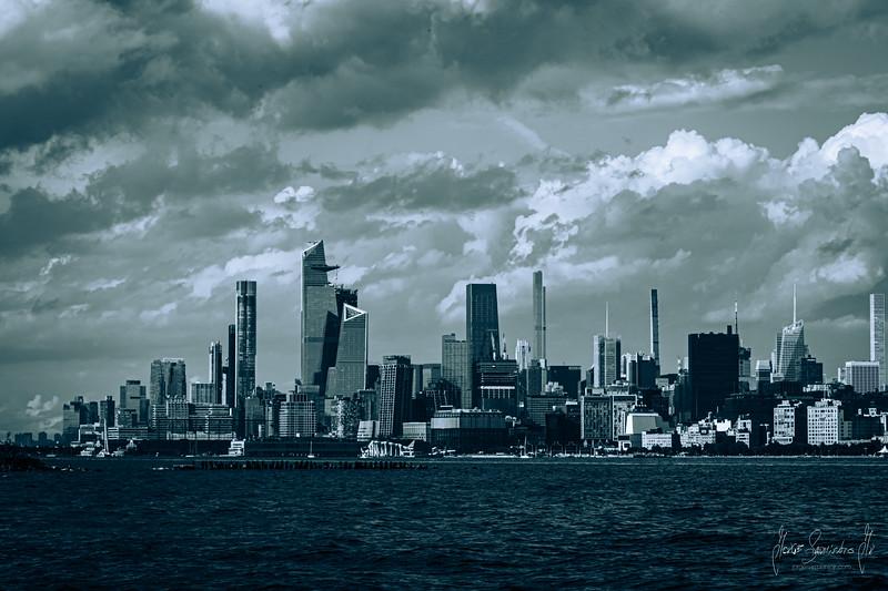 jorge-sarmiento-video-photography-new-york-city-black-and-white.jpg