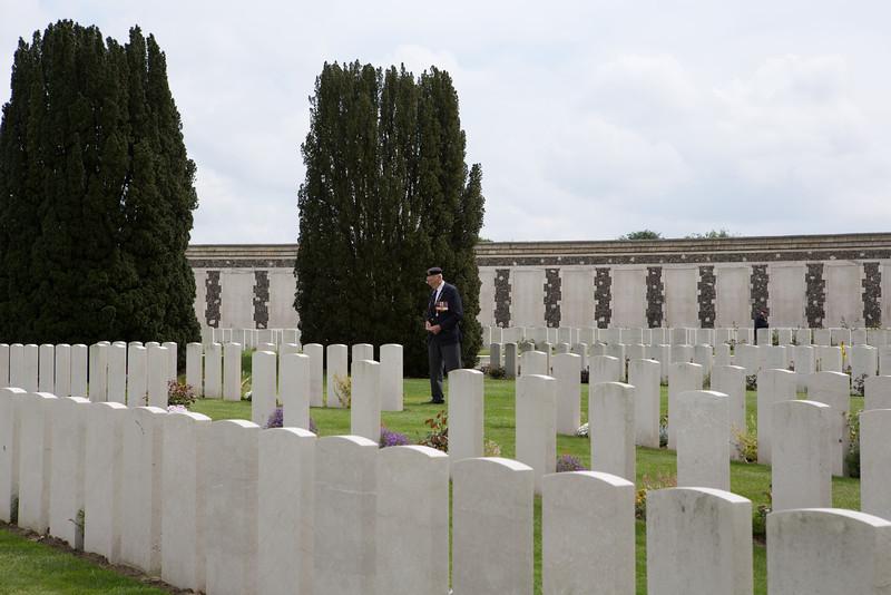 Ypres Tyne Cot Cemetery (51 of 123).jpg