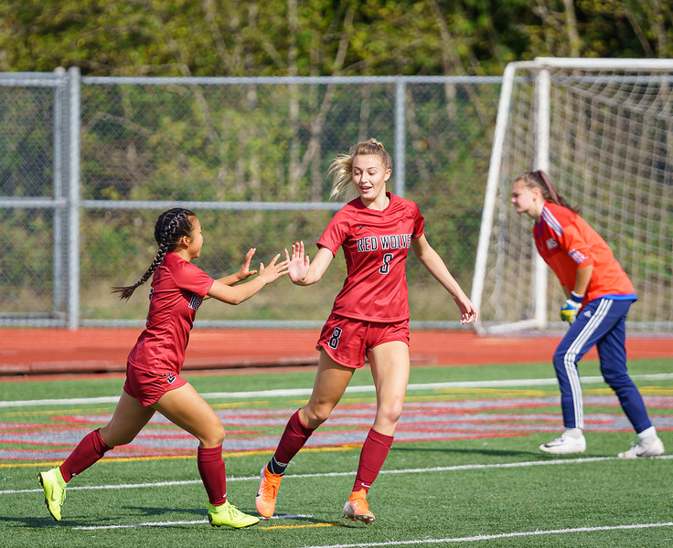 2019-09-28 Varsity Girls vs Meadowdale 030.jpg