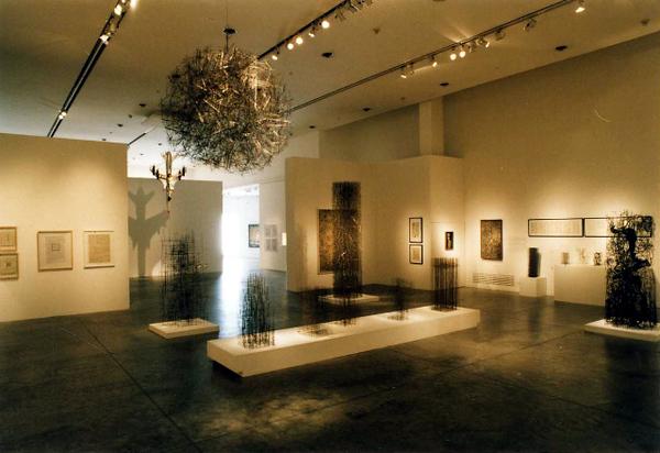 Foto 4, Carolina Santos, Retrospectiva, Obras 1954-2004, Sala Cronopios.jpg