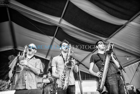 Midnite Disturbers @ Jazz & Heritage Stage (Sat 5/2/15)