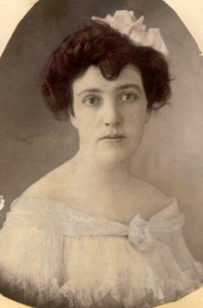 Mary Maude 1890s
