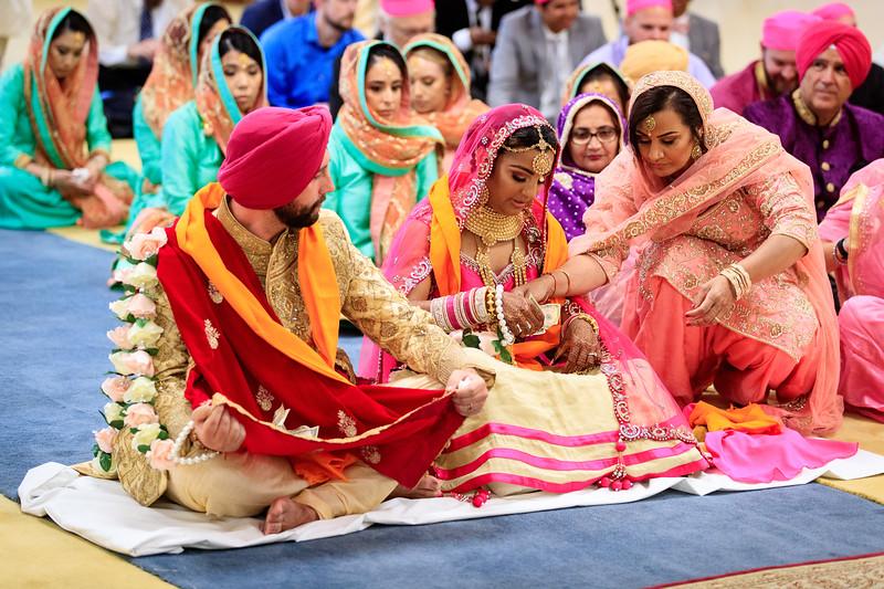 Neelam_and_Matt_Gurdwara_Wedding-1484.jpg