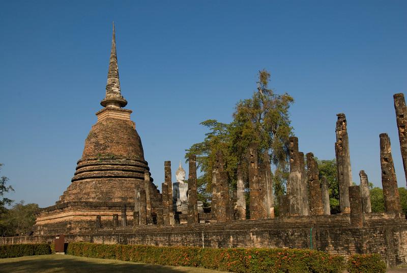 Wide shot of ruins at Wat Mahathat - Sukhothai, Thailand