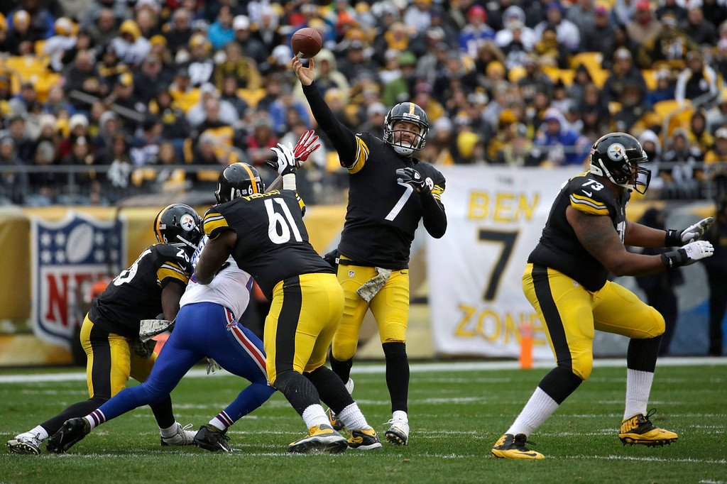 . Pittsburgh Steelers\' Ben Roethlisberger passes during the first half of an NFL football game against the Buffalo Bills, Sunday, Nov. 10, 2013, in Pittsburgh. (AP Photo/Gene J. Puskar)