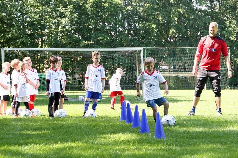 hsv_fussballschule-124_48047990688_o.jpg