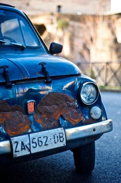 """<font face=""""pt sans""""><font color=""""#6e717f"""">Fiat 500 - Rome, Italy<br></font></font>"""