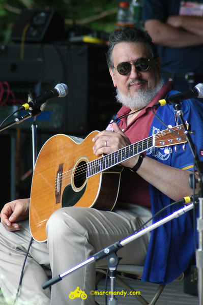 Phila Folk Fest- Sat 8-27 022 Guitar Styles Wkshp.JPG