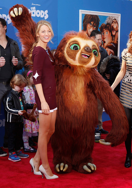 ". Actress Blake Lively arrives for the premiere of the film ""The Croods\"" in New York, March 10, 2013.  REUTERS/Carlo Allegri"