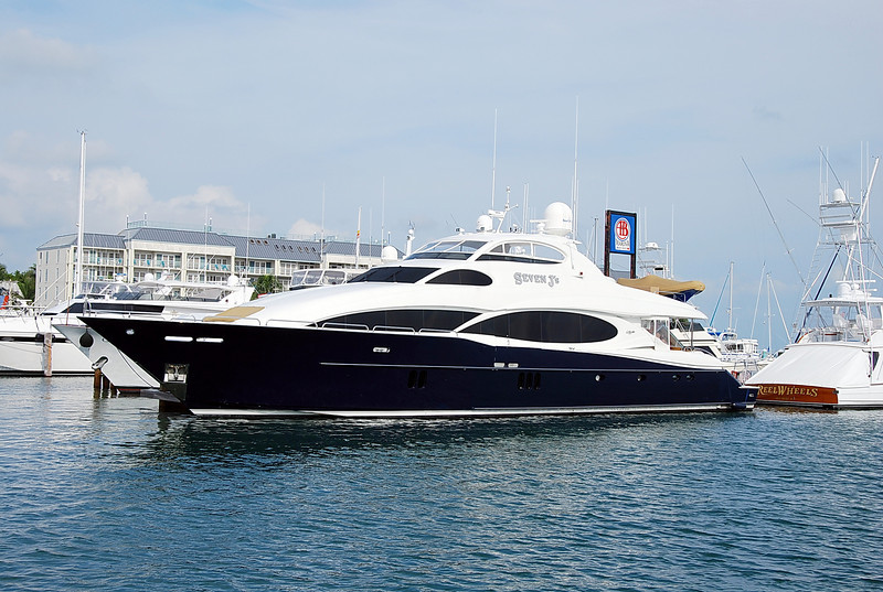 The Seven J's is a 110' Lazzara Yacht.