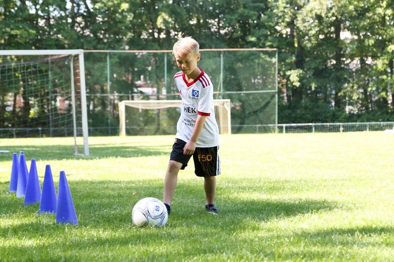 hsv_fussballschule-079_48048029432_o.jpg
